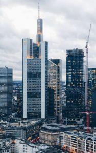 Billeje & lejebil i Frankfurt am Main