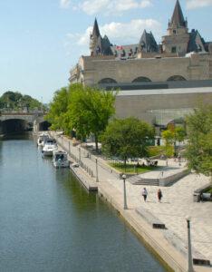 Billeje & lejebil i Ottawa